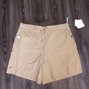 Jones New York Sport Woman 16W Beige Shorts J2-21